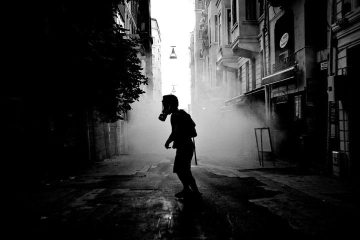 Modern Revolution, Istanbul